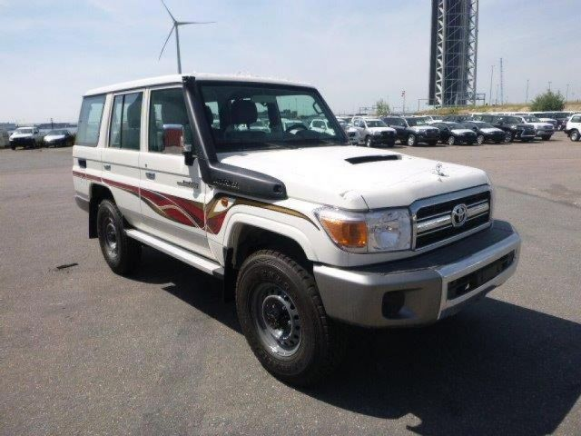 TOYOTA Land Cruiser Pick Up 4x4  76 Station Wagon  VDJ V8
