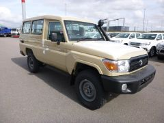 Toyota Land Cruiser 78 Metal top Benzine GRJ78  RHD