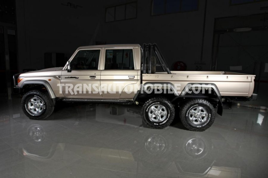 Import / export Toyota Toyota Land Cruiser 79 Pick up Turbodiesel VDJ 79 DOUBLE CABIN 6X6  (2018) - Afrique Achat