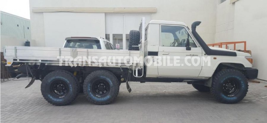 Import / export Toyota Toyota Land Cruiser 79 Pick up Gasóleo VDJ 79 DOUBLE CABIN 6X6  (2018) - Afrique Achat