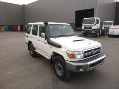Toyota Land Cruiser 76 Station Wagon Turbodiesel  - RHD