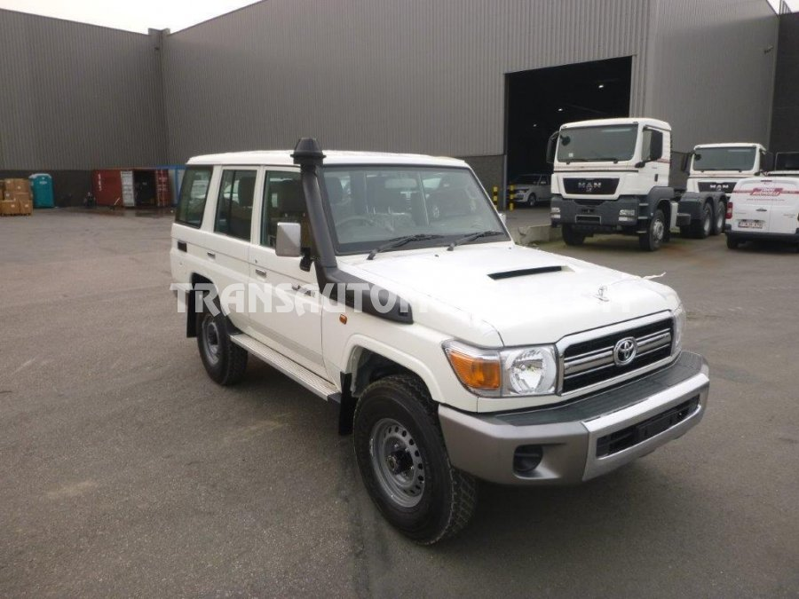 Import / export Toyota Toyota Land Cruiser 76 Station Wagon Turbo Diesel VDJ V8  - Afrique Achat