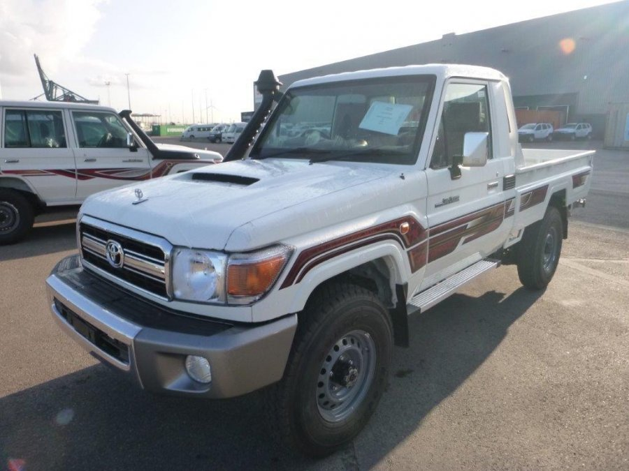 Export TOYOTA Land Cruiser Pick Up 4x4  79 Pick up  VDJ V8 SIMPLE CABIN