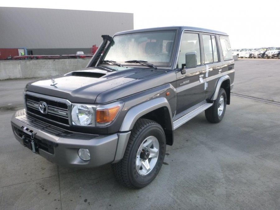 TOYOTA Land Cruiser Pick Up 4x4  76 Station Wagon  VDJ V8 LIMITED