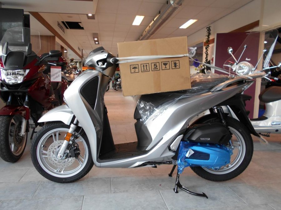 HONDA Honda SH150I