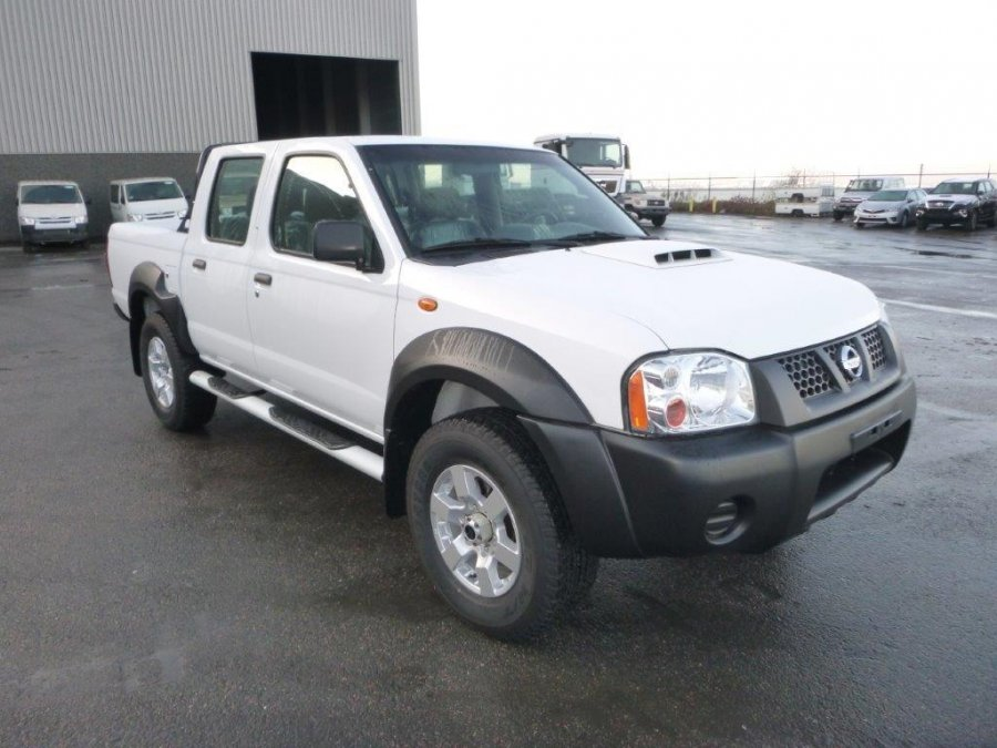 NISSAN NP300 HARDBODY Pick Up 4x4  DOUBLE CABINE 2.5L TURBO DIESEL  SAFETY
