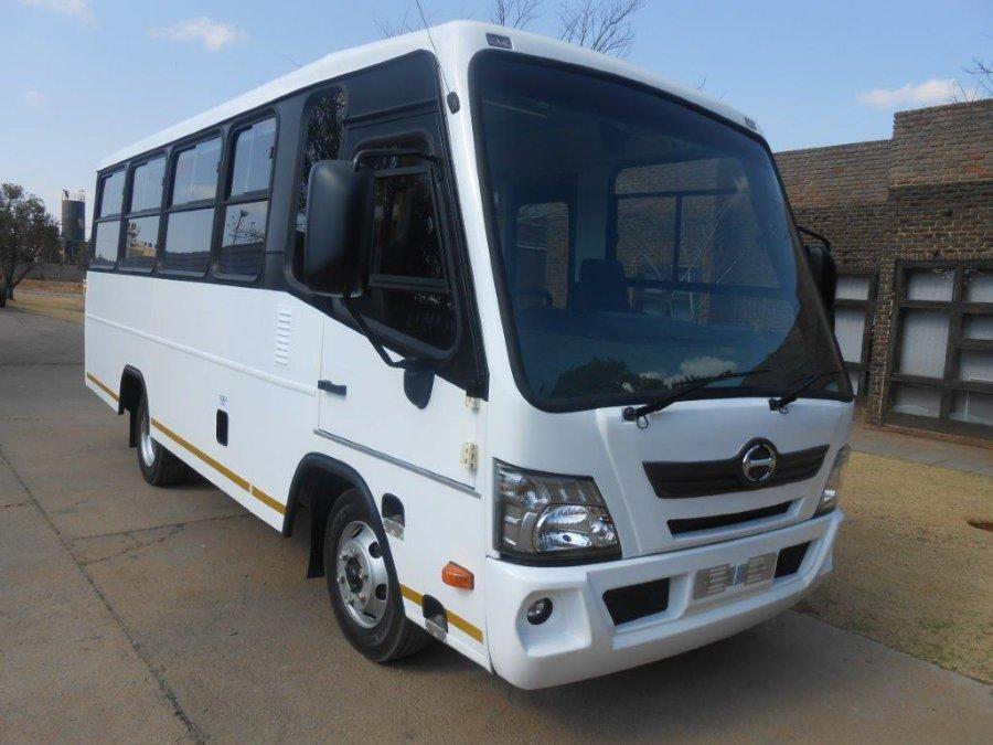 HINO - TOYOTA 35 Seater