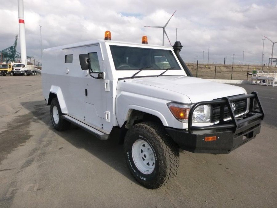 TOYOTA Land Cruiser Transport de fonds 79 Pick up 4.2L DIESEL CASH IN TRANSIT BLINDÉ/ARMORED BR4+ CASH IN TRANSIT