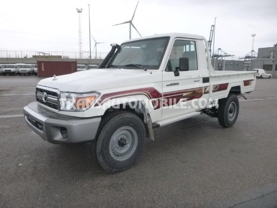 Import / export Toyota Toyota Land Cruiser 79 Pick up Diesel HZJ 79 SIMPLE CABIN 2 seats   (2018) - Afrique Achat