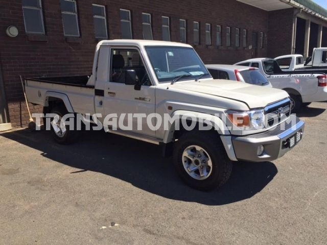 Toyota Land Cruiser 79 Pick up Gasolina V6 GRJ  RHD