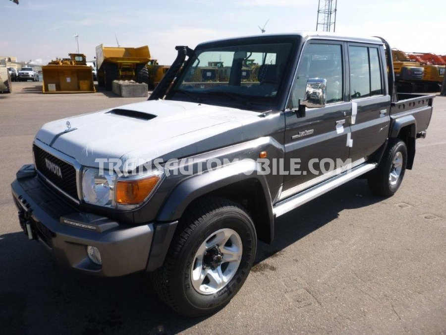 Toyota Land Cruiser 79 Pick up Turbo Diesel VDJ V8 79 DOUBLE CABIN  LIMITED  (2020)