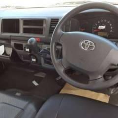Toyota Hiace HIGH ROOF / TOIT HAUT Essence   RHD
