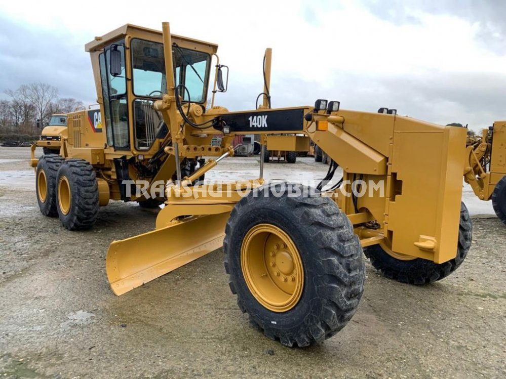 Import / export Caterpillar  140 k 7.2L Diesel Automatique