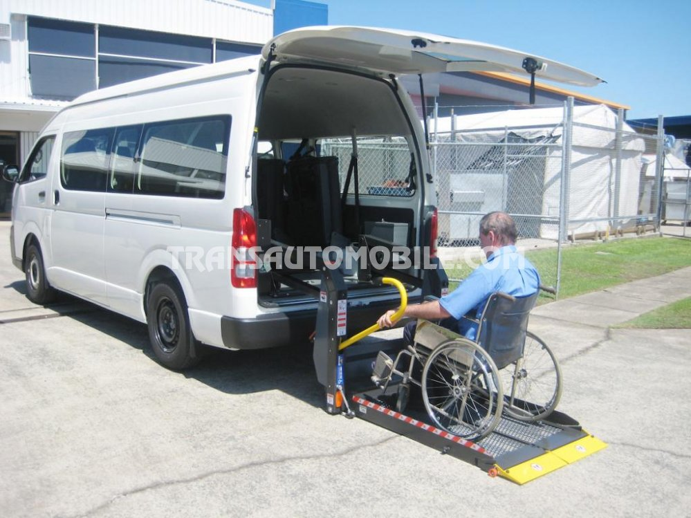 Toyota Hiace HIGH ROOF / TOIT HAUT Turbo Diesel  Wheel chair/ disabled  (2020) RHD