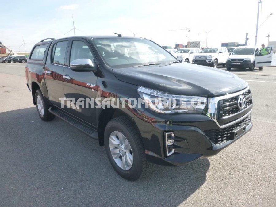 Toyota Hilux / Revo Pick up double cabin Essence  2.8 l G   (2019) RHD