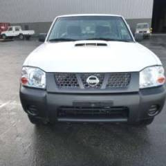 Nissan NP300 Hardbody DOUBLE CABINE Gasolina   RHD
