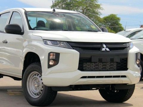 Mitsubishi Triton Exportação