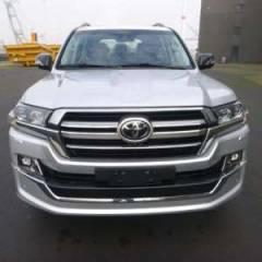 Import / export Toyota Land Cruiser 200 V8 Station Wagon Turbo Diesel  Vx8 Executive Lounge. Afrique achat