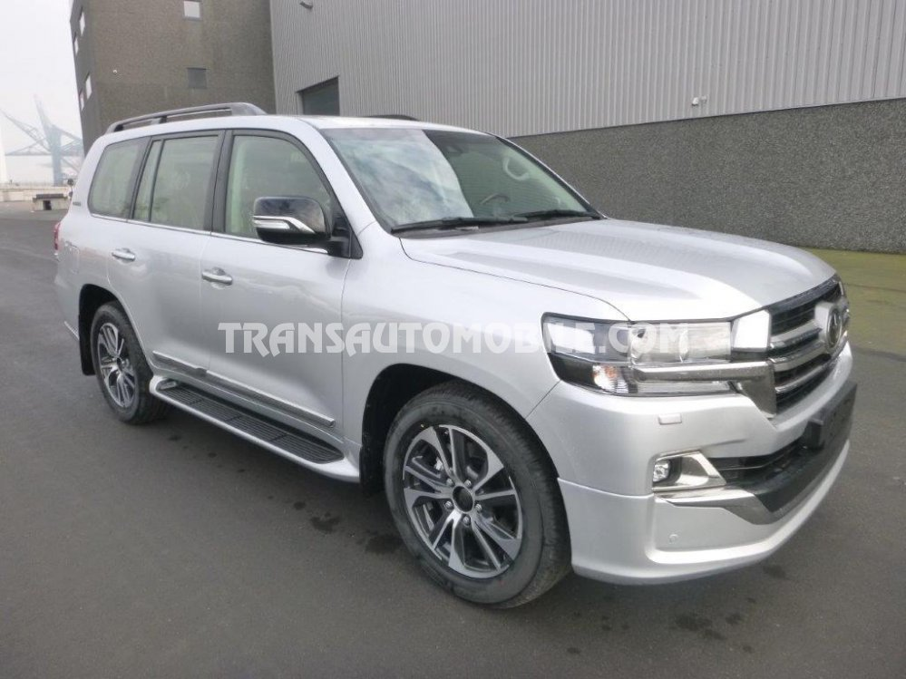 Import / export Toyota Land Cruiser 200 V8 Station Wagon VX8 EXECUTIVE LOUNGE 4.5L TURBO DIESEL AUTOMATIQUE 2020