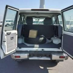 Import / export Toyota Toyota Land Cruiser 76 Station Wagon Diesel HZJ 76  - Afrique Achat