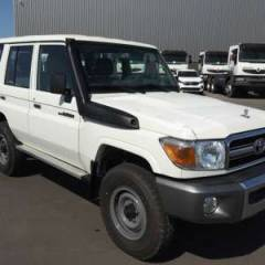Exportation Toyota Land Cruiser 76 Station Wagon HZJ 76