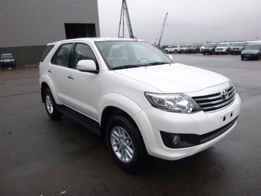 Export TOYOTA Fortuner 4x4  2.7L Essence/petrol Premium Auto  Premium