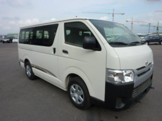 Export TOYOTA Hiace Minibus  2.7L PETROL/ESSENCE 15 PLACES/SEATS