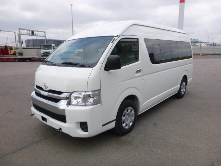 toyota hiace high roof toit haut 0 15 places neuf ref 476. Black Bedroom Furniture Sets. Home Design Ideas