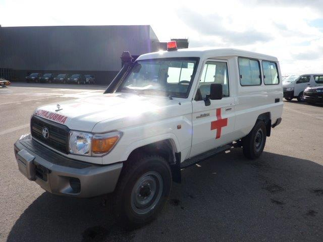 Export TOYOTA Land Cruiser 4x4 78 Metal top 4.2L   HZJ 78 Ambulance