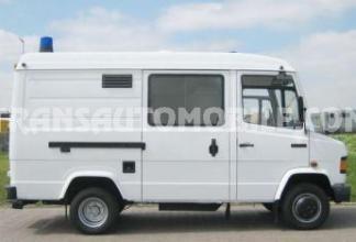 mercedes 609d 4 0l d ambulance ex army occasion exportation ambulances 862veh. Black Bedroom Furniture Sets. Home Design Ideas