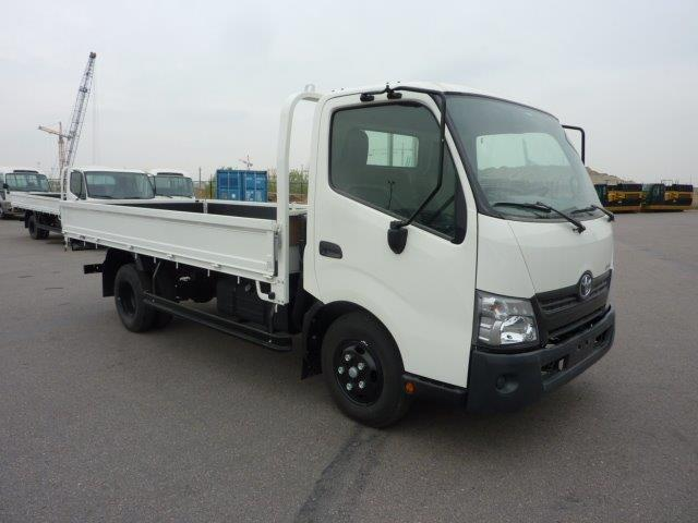 Export TOYOTA Dyna Light truck  300 4.0L D Flatbed