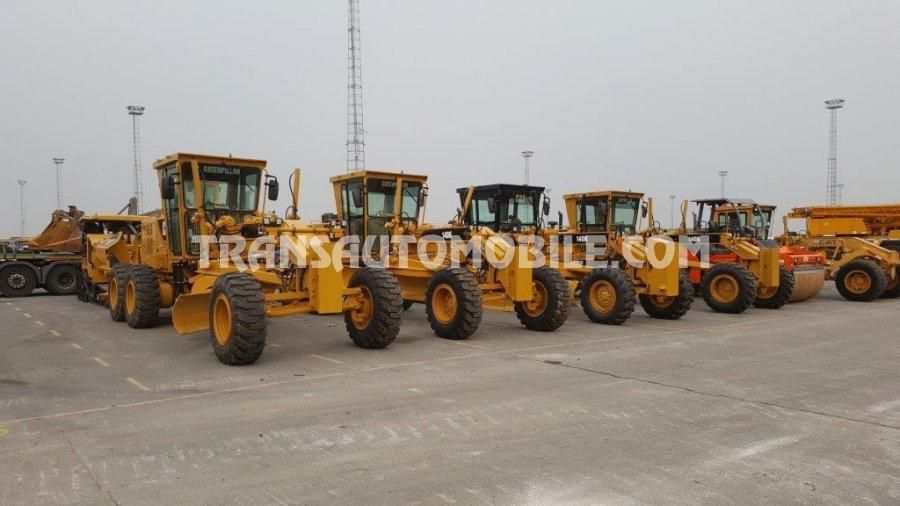Import / export Caterpillar  140 k Diesel Automatique