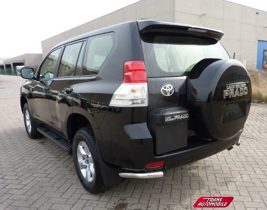 Car55802 furthermore Toyota Prius 2016 Precios Versiones Y Equipamiento En Mexico as well Toyota Hilux Gets The Dakar 2014 Treatment besides Toyota Highlander Hybrid moreover 2017 Toyota Camry Safety Features. on toyota audio control